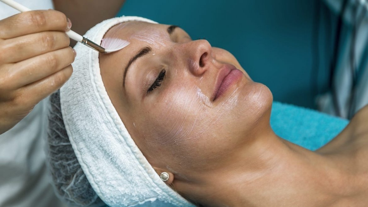 Glycolic Acid Facial